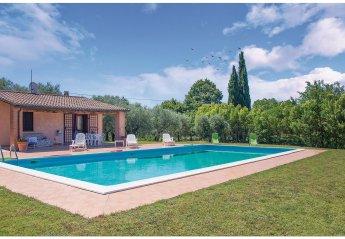 Villa in Montecchio, Italy