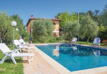 Villa in Chiassa-Tregozzano, Italy