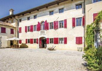 Villa in Mereto di Capitolo, Italy