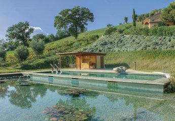 Villa in Ostra Vetere, Italy