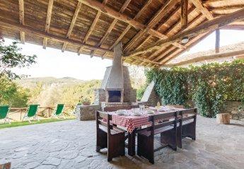 Villa in Albareto, Italy