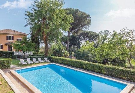 Villa in Montecanino, Italy