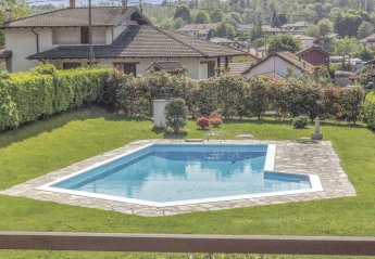 Villa in Paruzzaro, Italy