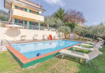 Villa in Italy, Corsanico-Bargecchia