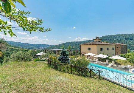 Villa in Subbiano, Italy