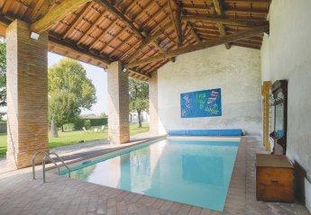 Villa in Cornovecchio, Italy