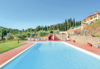 Apartment in Vepri, Italy