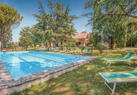Villa in Montopoli di Sabina, Italy