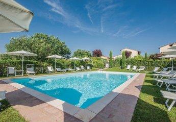 Apartment in Montecarlo, Italy: