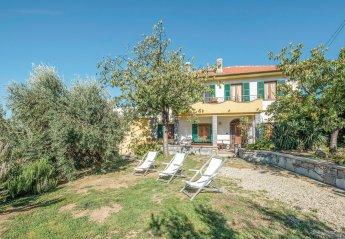 Villa in Velva, Italy