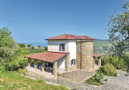 Villa in Località Paradiso, Italy