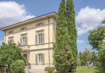Villa in Crespina, Italy
