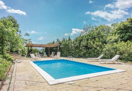 Villa in Pratella, Italy