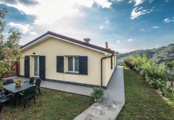 Villa in Castiglione Chiavarese, Italy