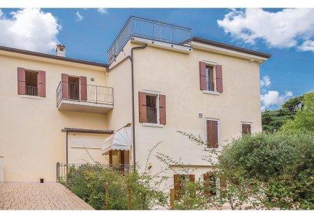 Apartment in Poiano, Italy