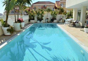 Villa in Urbanización Blue Lagoon, Spain