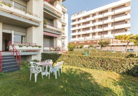 Apartment in Villa Rosa, Italy