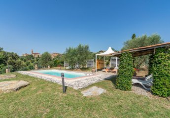 Villa in San Gusme, Italy