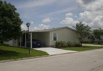 Villa in Vista Del Lago, Florida: Exterior and drive (space for 2 cars)