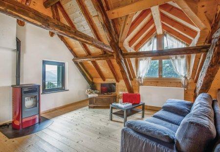 Apartment in Vuezzis, Italy: