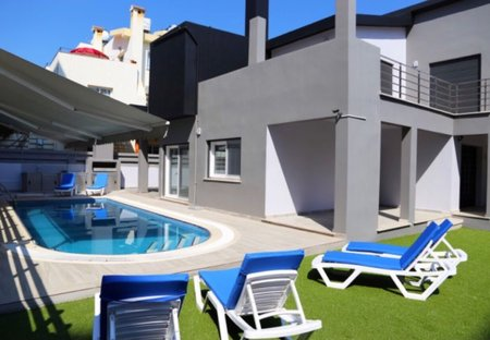 Villa in Kyrenia Town, Cyprus