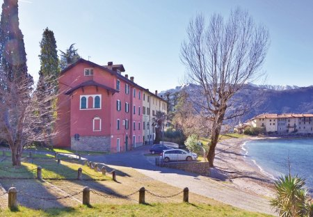 Apartment in Lierna, Italy