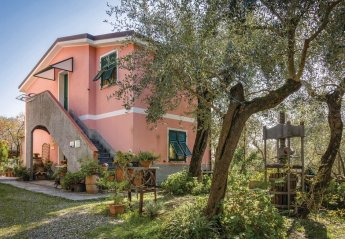 Villa in Facciù, Italy