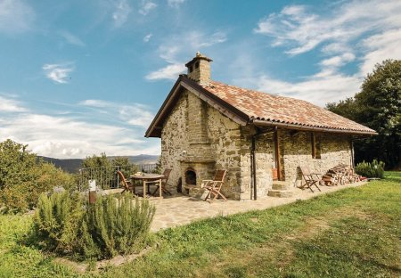Villa in Mombarcaro, Italy
