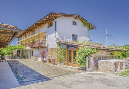 Apartment in Capriva del Friuli, Italy: