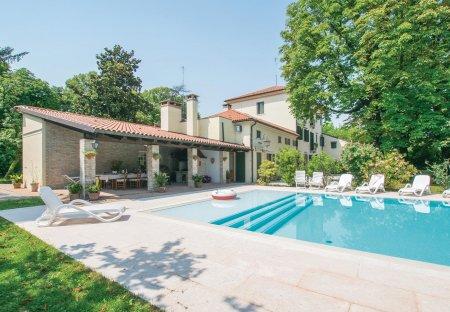 Villa in Silea, Italy