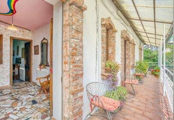 Villa in Belvedere Langhe, Italy