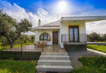 Villa in Greece, Kalavarda