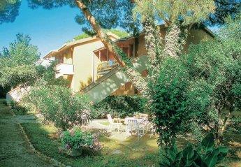 Apartment in Portiglioni, Italy