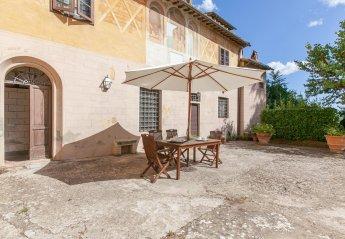 Villa in Capannoli, Italy