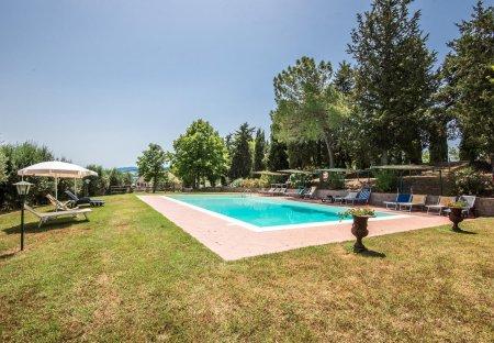 Apartment in Radicondoli, Italy