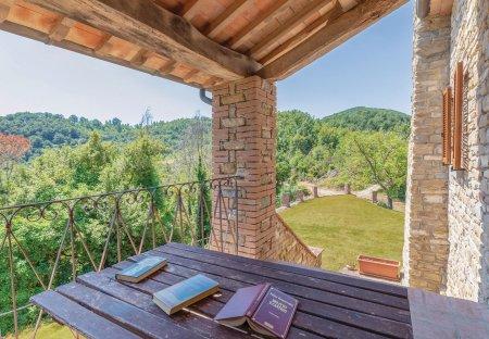 Villa in Pietralunga, Italy