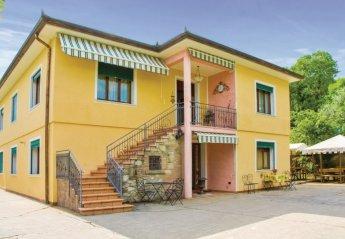 Apartment in Arquà Petrarca, Italy