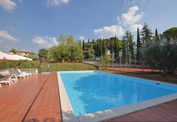 Villa in Palaia, Italy