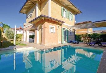 Villa in Solarolo, Italy