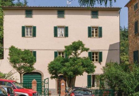 Villa in Montelaterone, Italy