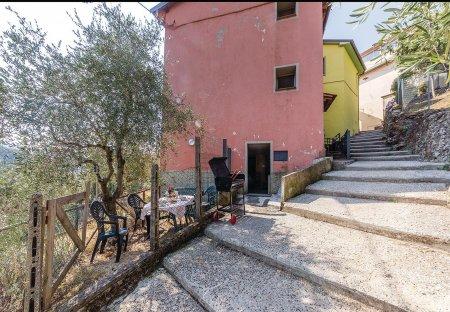 Villa in Casoli di Camaiore, Italy