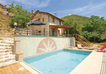 Villa in Finocchieto, Italy