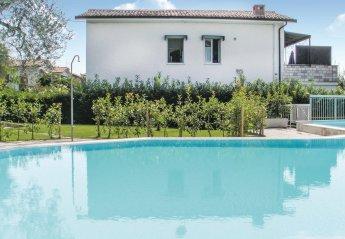 Villa in Bardolino, Italy