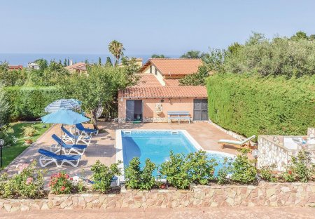 Villa in Torre Colonna-Sperone, Sicily
