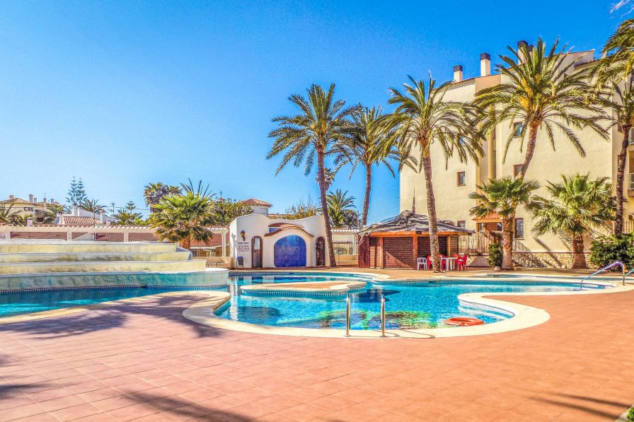 Studio Apartment To Rent In Marines Spain With Shared