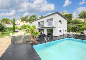 Villa in Sauveterre, the South of France