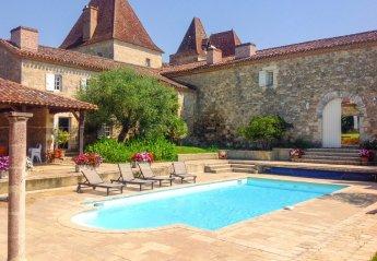 Villa in Espiens, France
