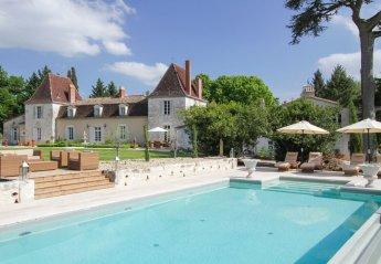 Chateau in Serres-et-Montguyard, France