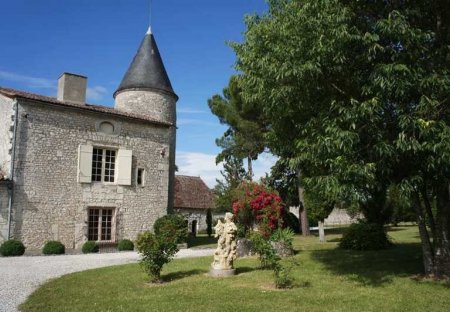 Chateau in Saussignac, France