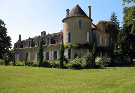 Chateau in Saint-Martin-de-Ribérac, France